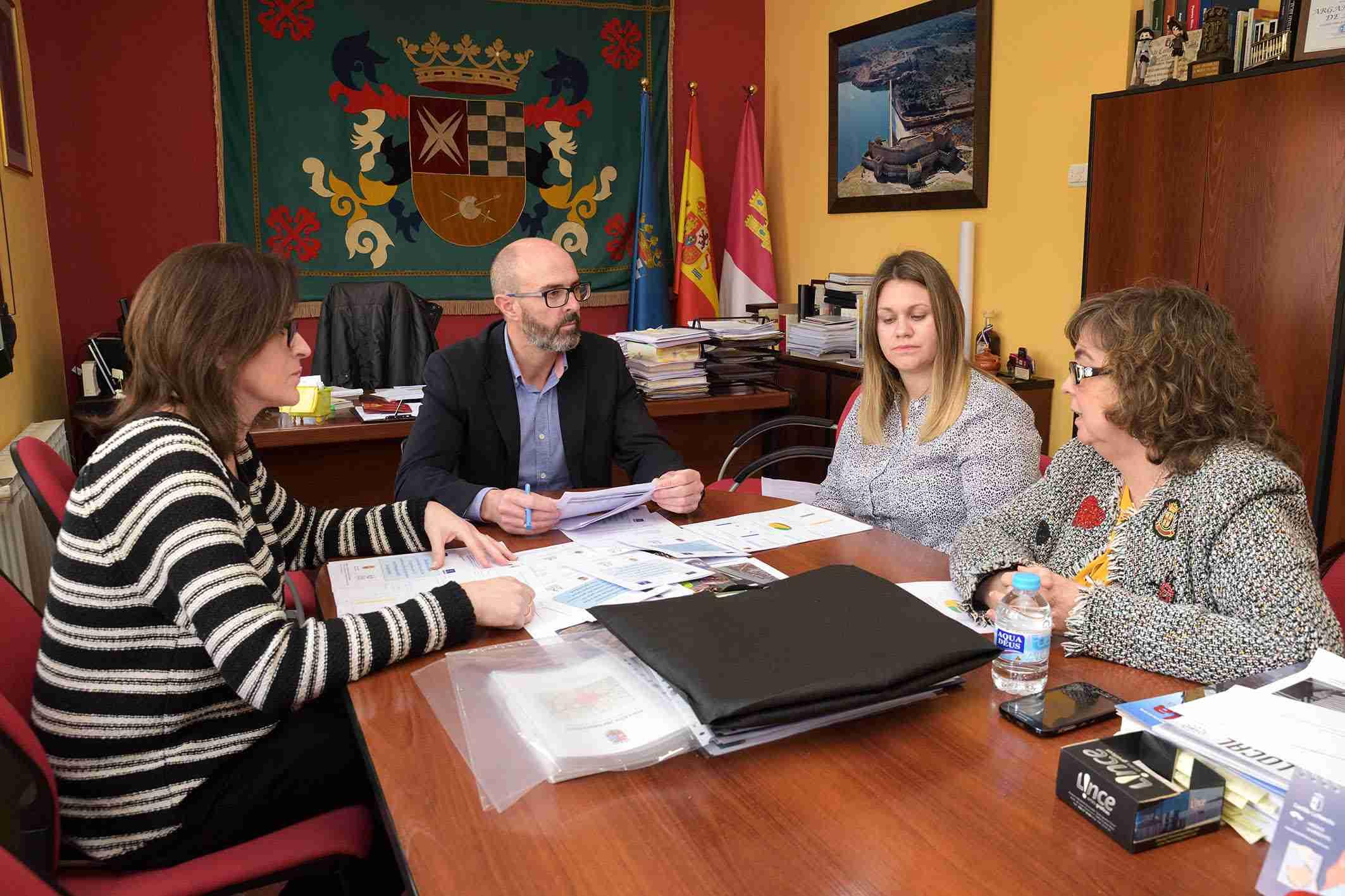 El Ayuntamiento de Argamasilla de Alba y Oretania Ciudad Real conciencian a las empresas locales para la contratación de personas con discapacidad 1