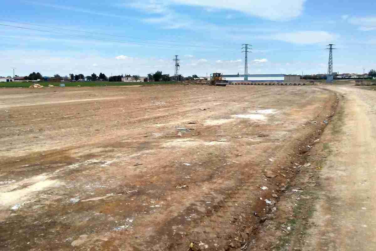 El Ayuntamiento de Argamasilla de Alba pone en marcha una campaña de limpieza de residuos y vigilancia del entorno cercano a Tomelloso 2