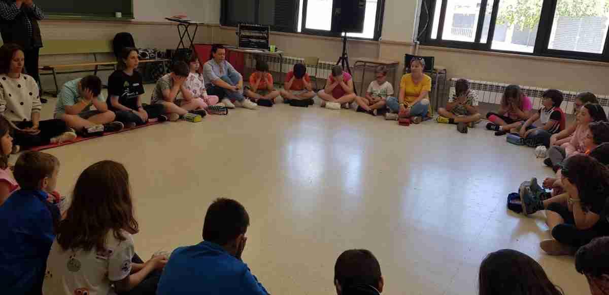 """Sesiones con familia en el Colegio Público Jardín de Arena sobre """"Educar en igualdad de oportunidades"""" 2"""