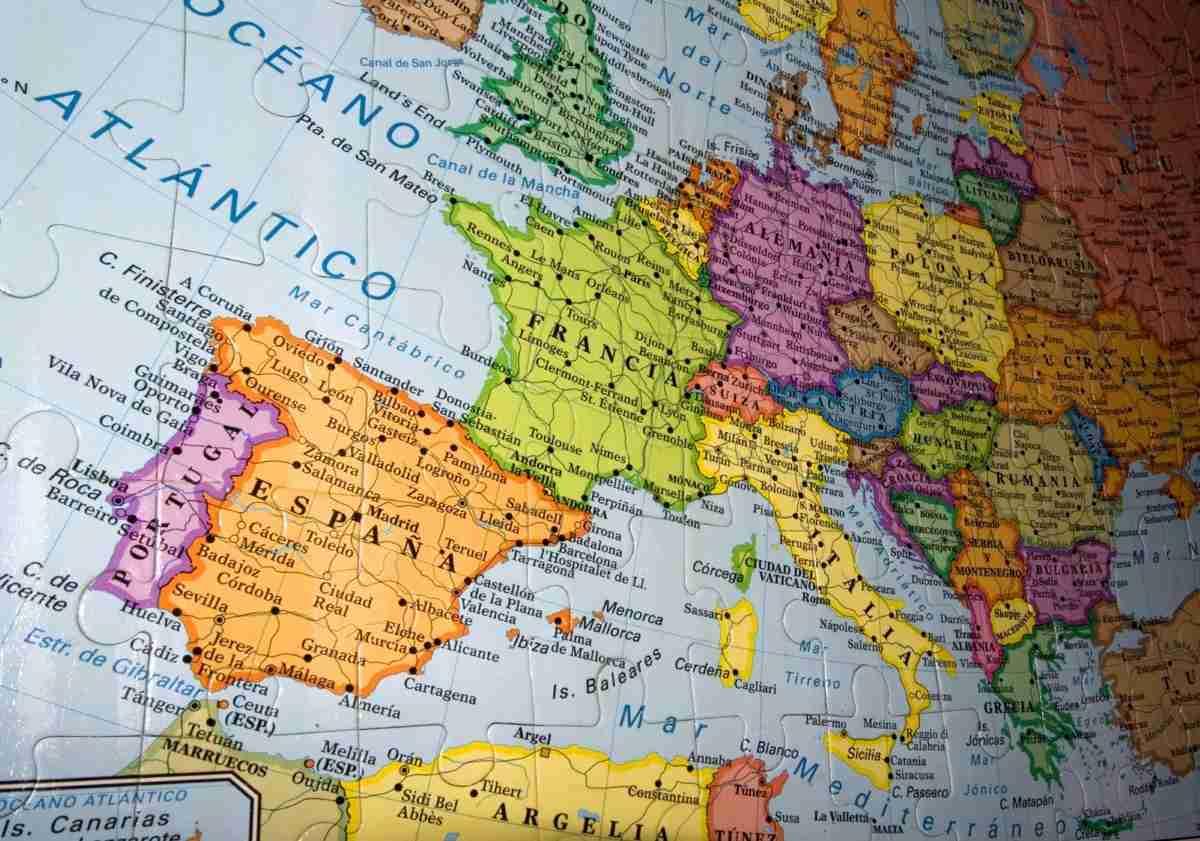 El Diario de Castilla-La Mancha publica la convocatoria de ayudas para formación de docentes en el extranjero el próximo verano 1