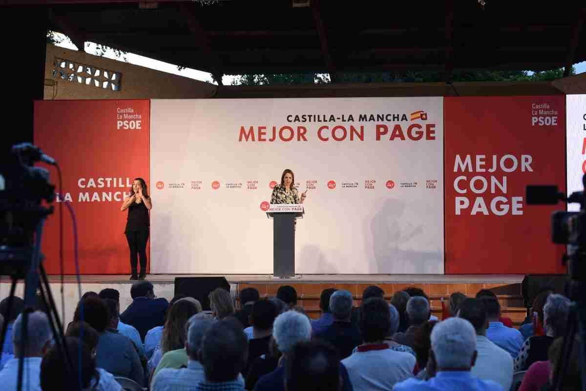 Cristina Maestre acude a acto en Alcázar de San Juan junto a García Page 1