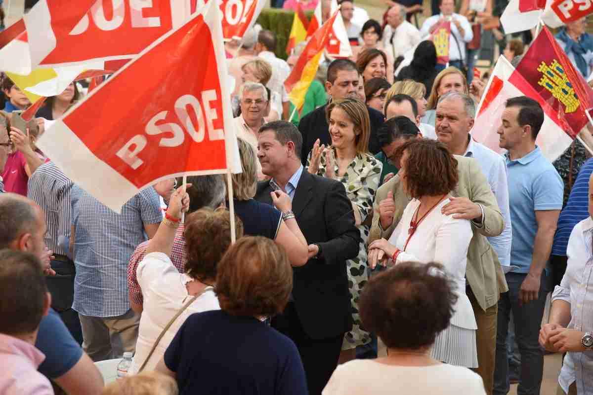 Cristina Maestre acude a acto en Alcázar de San Juan junto a García Page 2