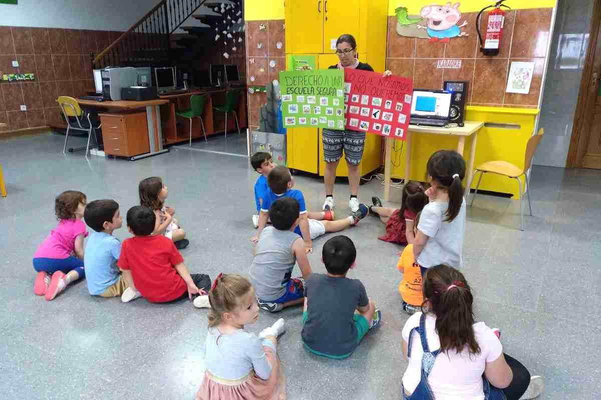 El Centro Infanto-Juvenil se suma a la campaña de Save the Children 'No a la guerra contra la infancia' 2