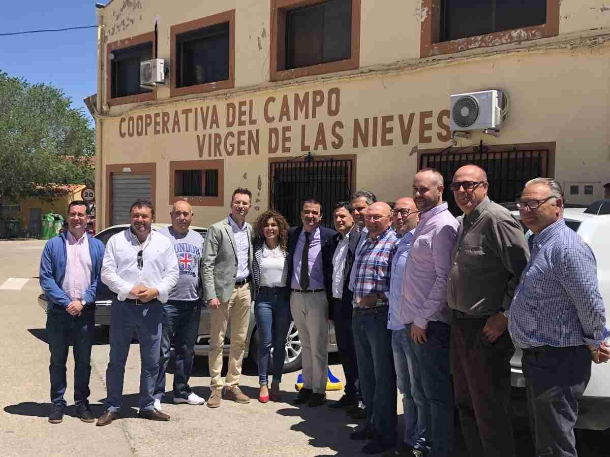 El consejero de Agricultura, Medio Ambiente y Desarrollo Rural ha informado que se procederá al abono de 9,4 millones de euros para cerca de 1.700 agricultores y ganaderos de Castilla-La Mancha. 2