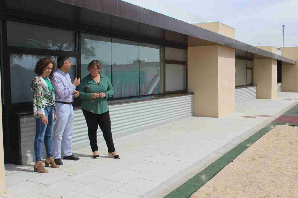 Carmen Olmedo visita el nuevo aulario del  CEIP San Isidro de Daimiel que funcionará a partir del próximo lunes 2