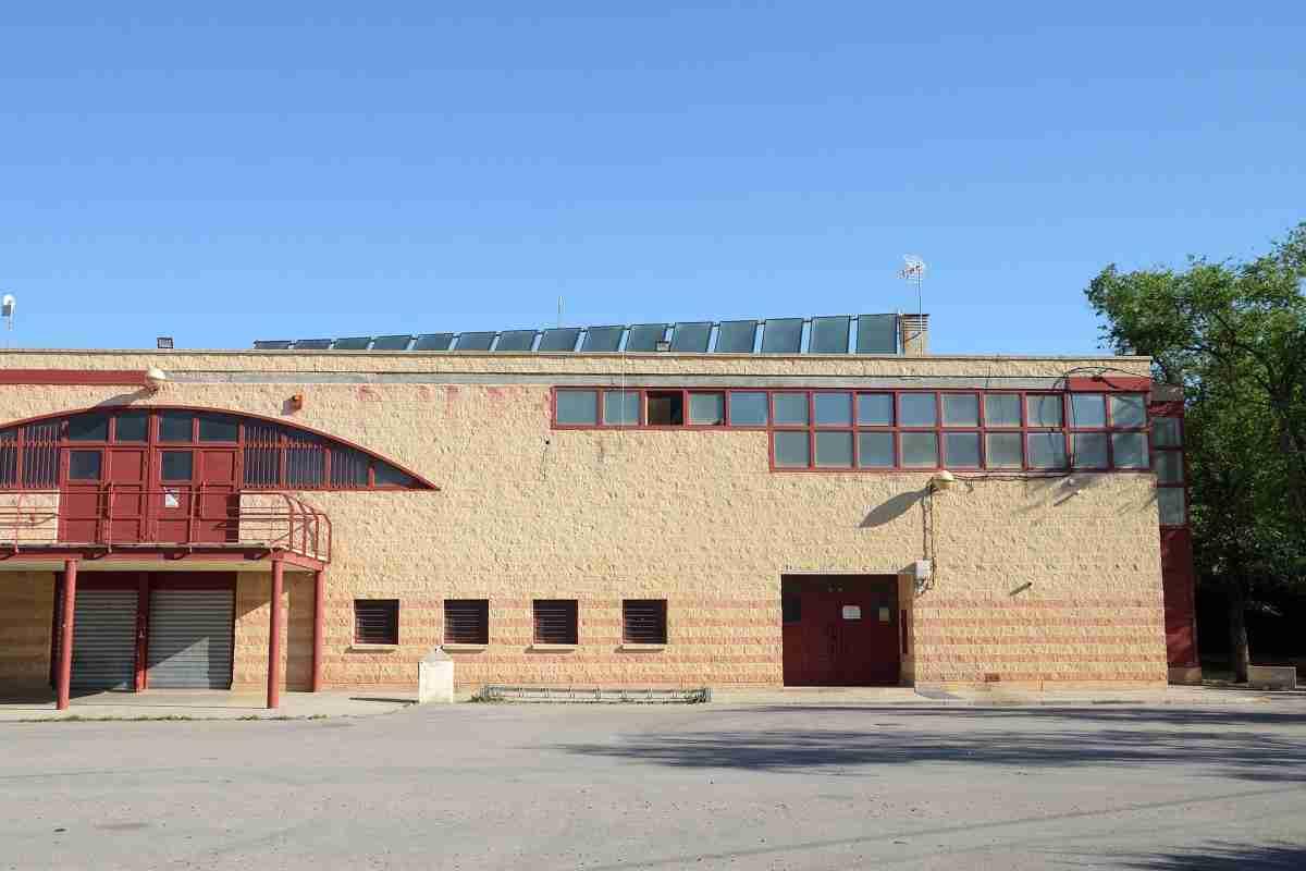 Ayuntamiento de Argamasilla finaliza  instalación y puesta a punto de los paneles solares en el pabellón 1