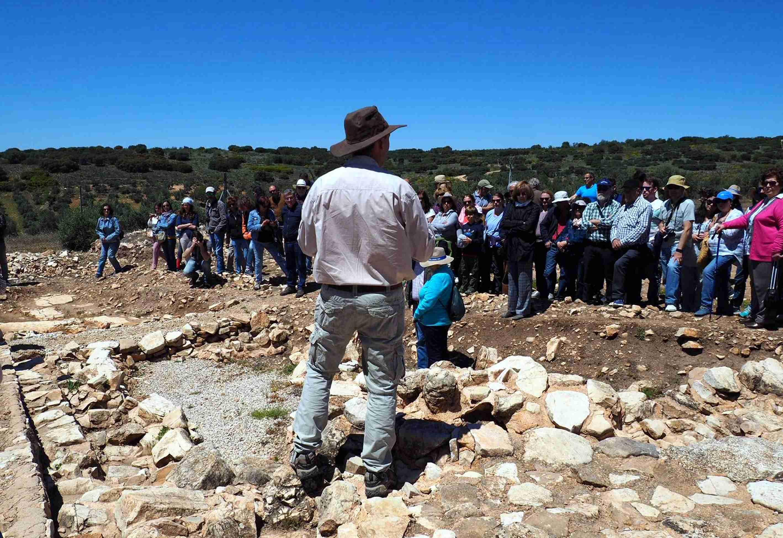 Gran éxito de la jornada arqueológica de Terrinches 10