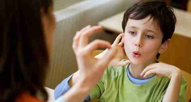 Cerca de 5.000 personas con discapacidad auditiva beneficiadas por los Servicios de Lengua de Signos del Gobierno regional 1