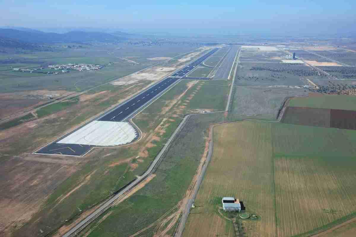 Técnicos de la Agencia Estatal de Seguridad Aérea (AESA) visitan Aeropuerto de Ciudad Real 1