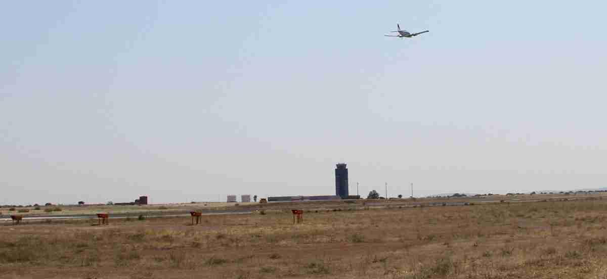 Técnicos de la Agencia Estatal de Seguridad Aérea (AESA) visitan Aeropuerto de Ciudad Real 2