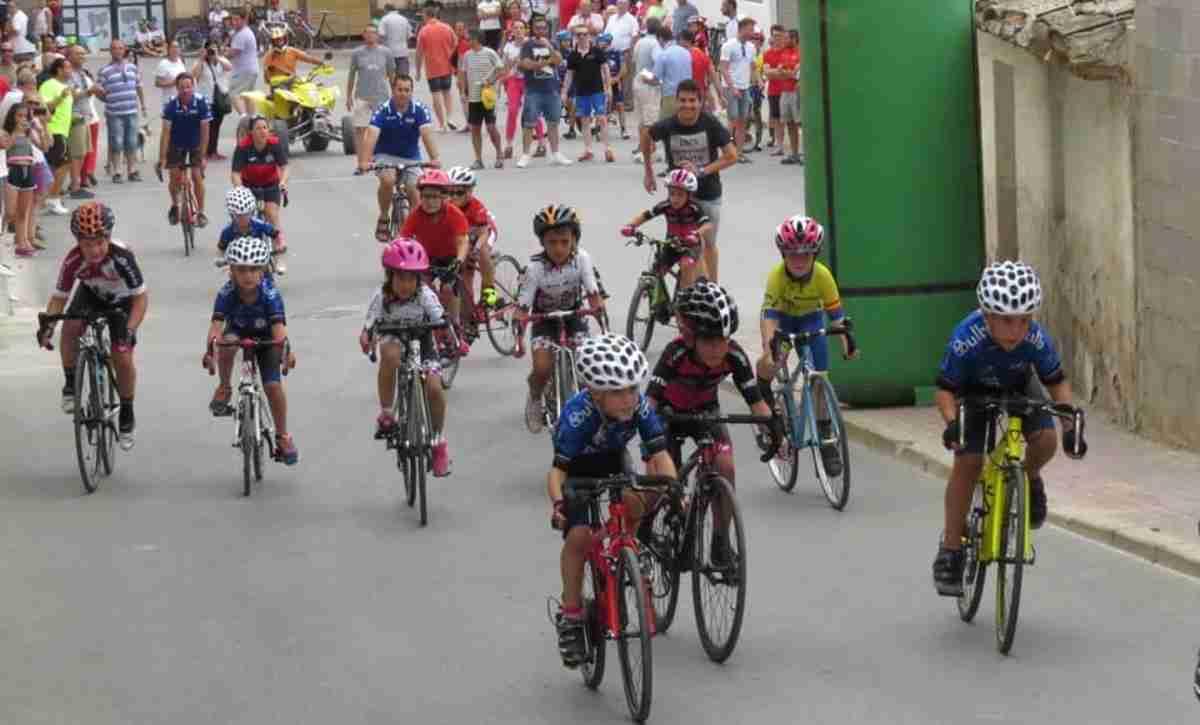 Celebrada la III Edición de la carrera de Escuelas organizada por el Club Ciclista Onturense 1