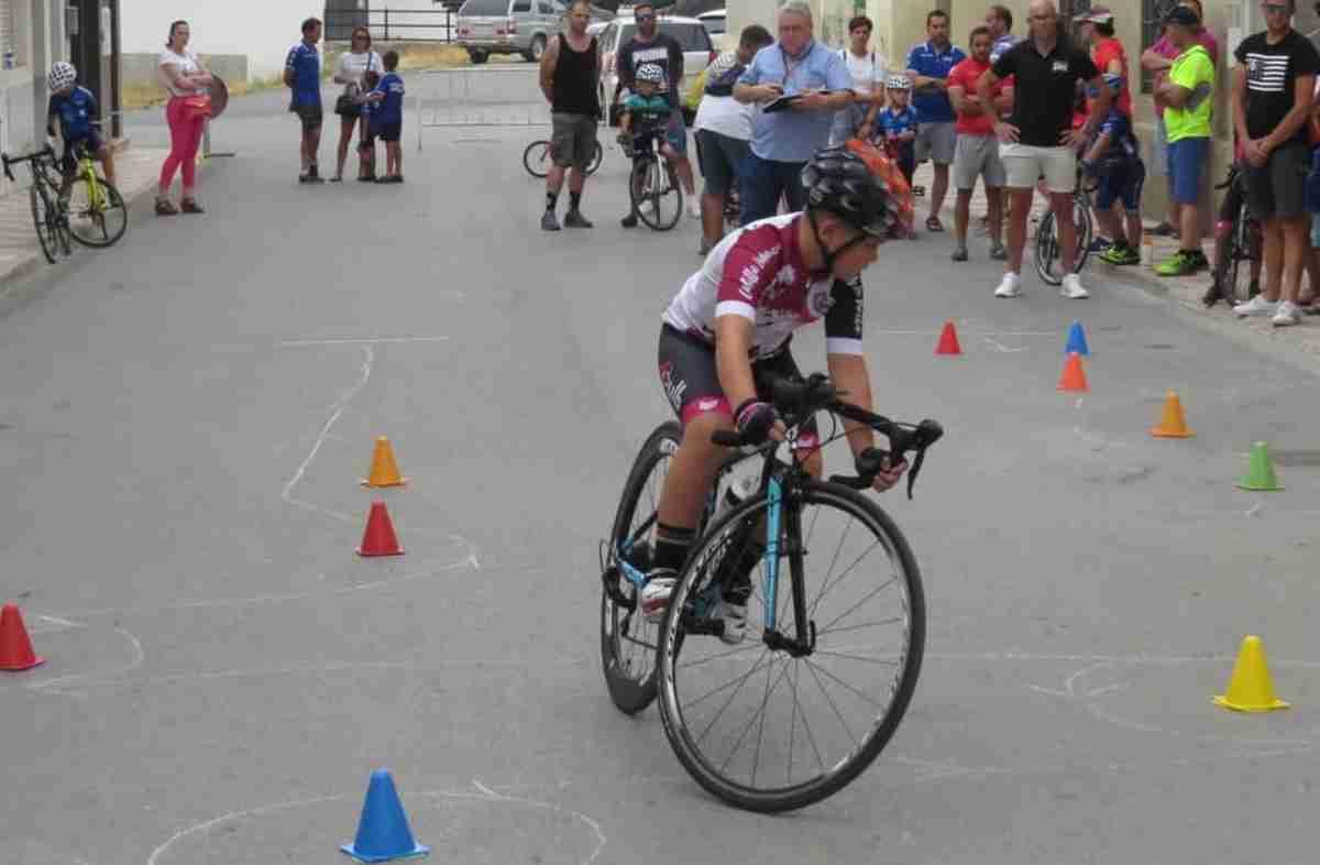 Celebrada la III Edición de la carrera de Escuelas organizada por el Club Ciclista Onturense 3
