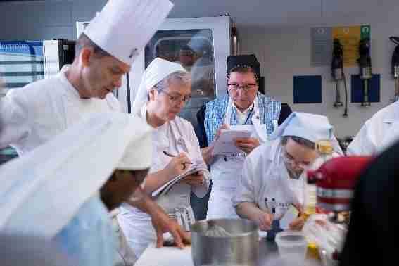 Tres monjas de clausura de Ciudad Real realizan un curso formativo en Le Cordon Bleu Madrid 1