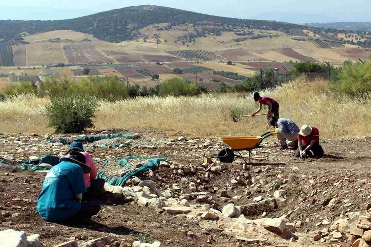 Inicia campaña de investigación arqueológica en Castillejo del Bonete, el yacimiento prehistórico de Terrinches 1