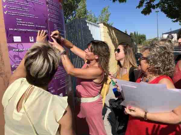 Fotos Campaña de Concienciación Sin agresiones Feria (3)
