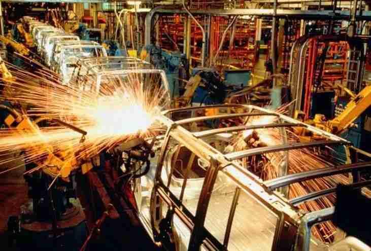 Evolución positiva por encima de la media nacional en industria y servicios de Castilla-La Mancha 1