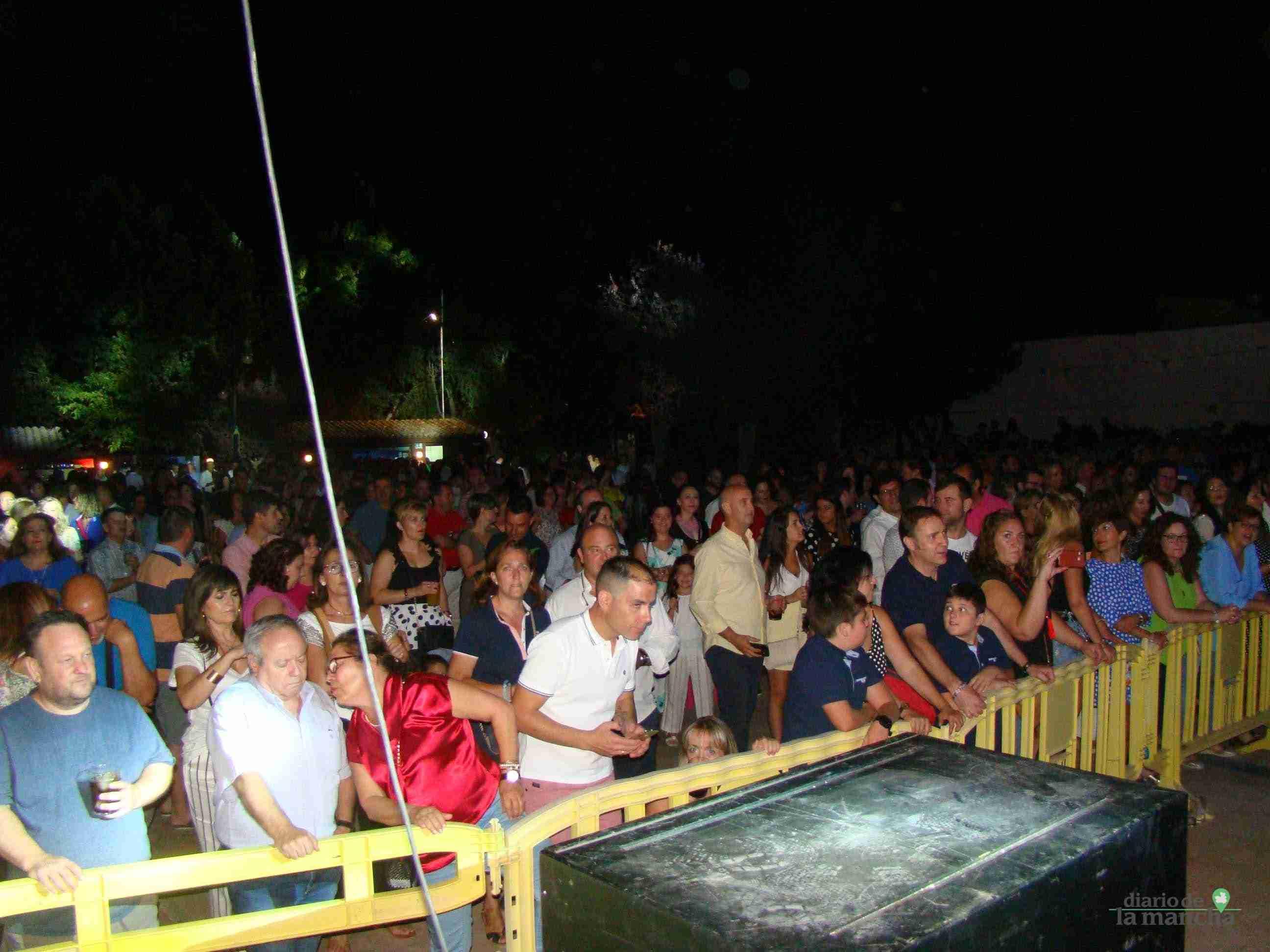 """""""Siempre Así"""" llena la Pista Jardín Colón de Quintanar en un magnífico concierto 1"""