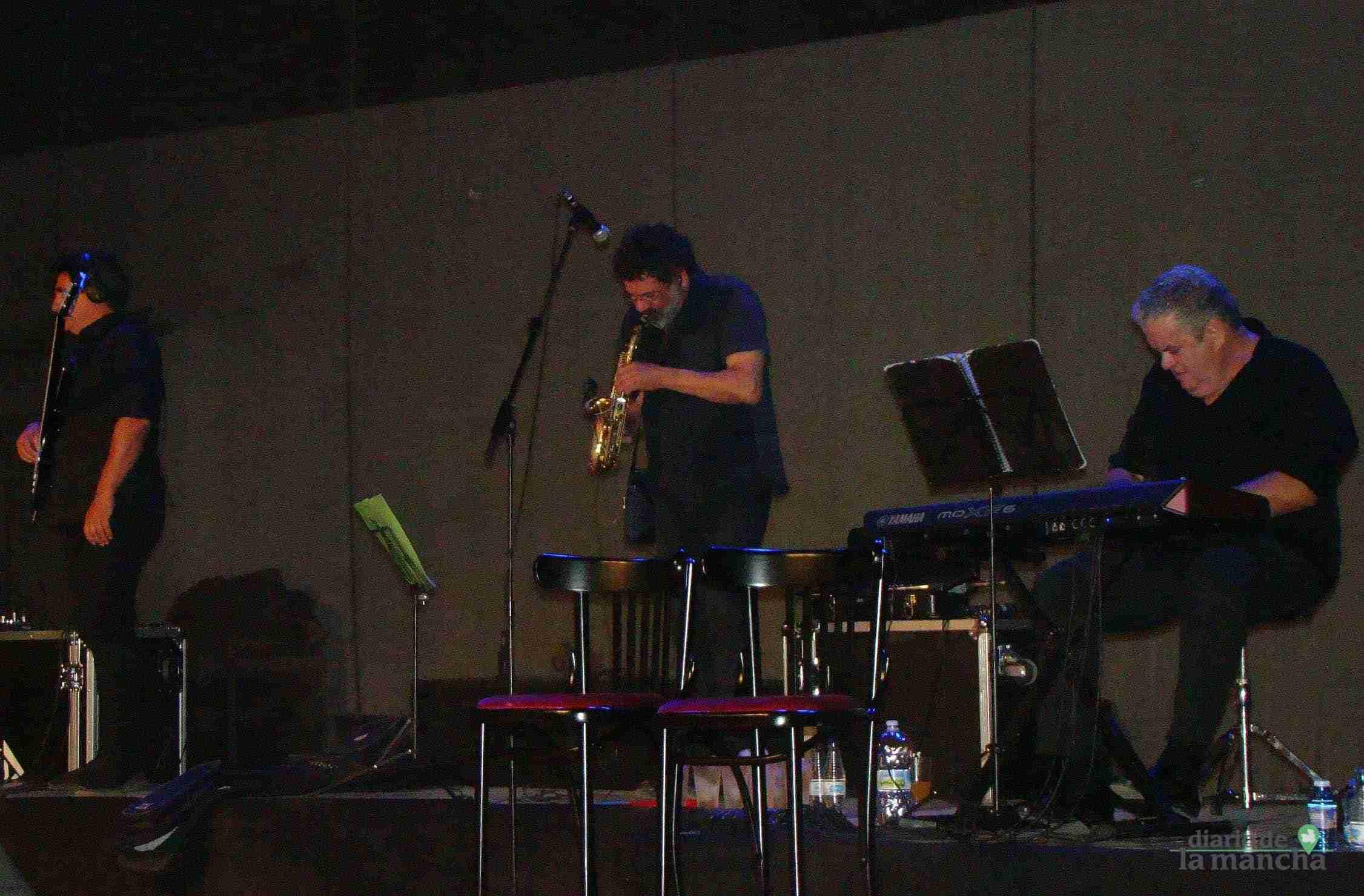 """""""Siempre Así"""" llena la Pista Jardín Colón de Quintanar en un magnífico concierto 10"""