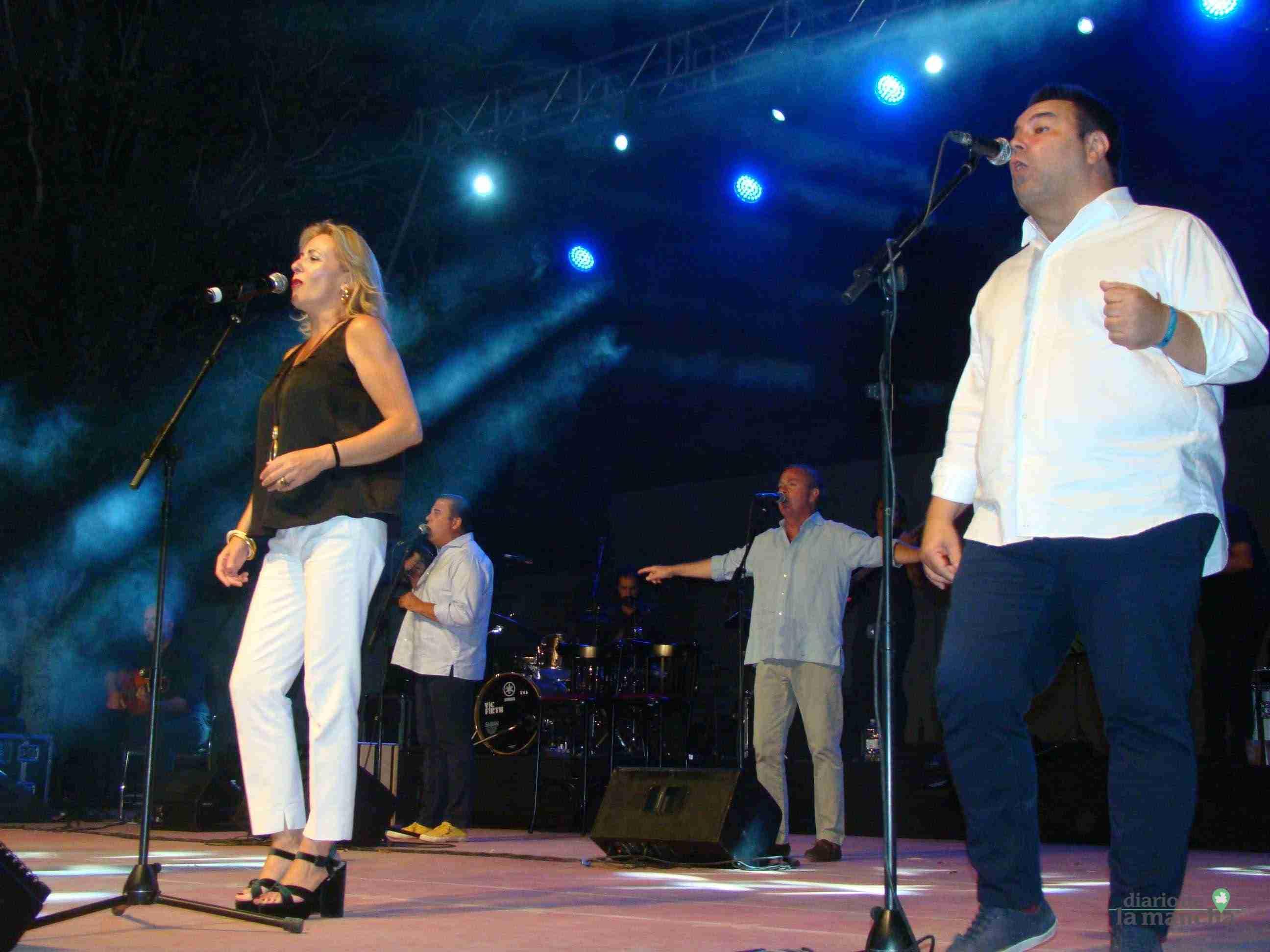 """""""Siempre Así"""" llena la Pista Jardín Colón de Quintanar en un magnífico concierto 5"""
