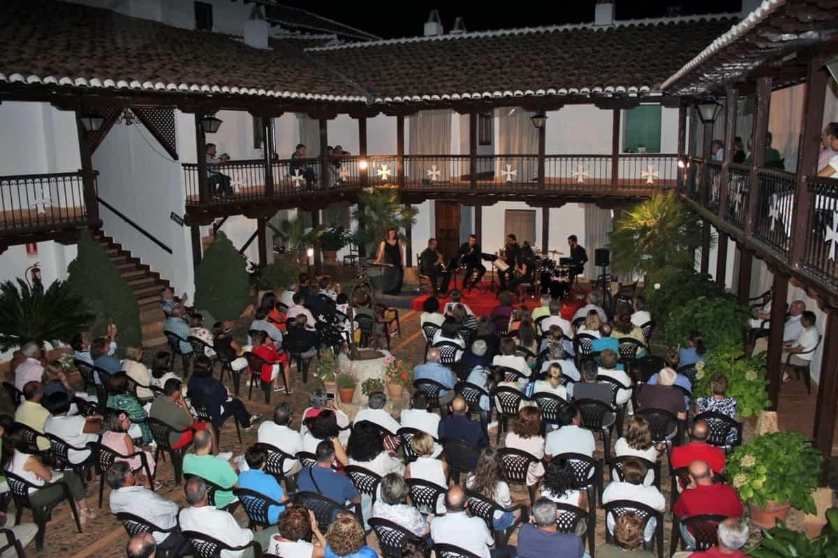 """Música en directo en Villarrubia de los Ojos en """"Las Noches del Santuario"""" 3"""