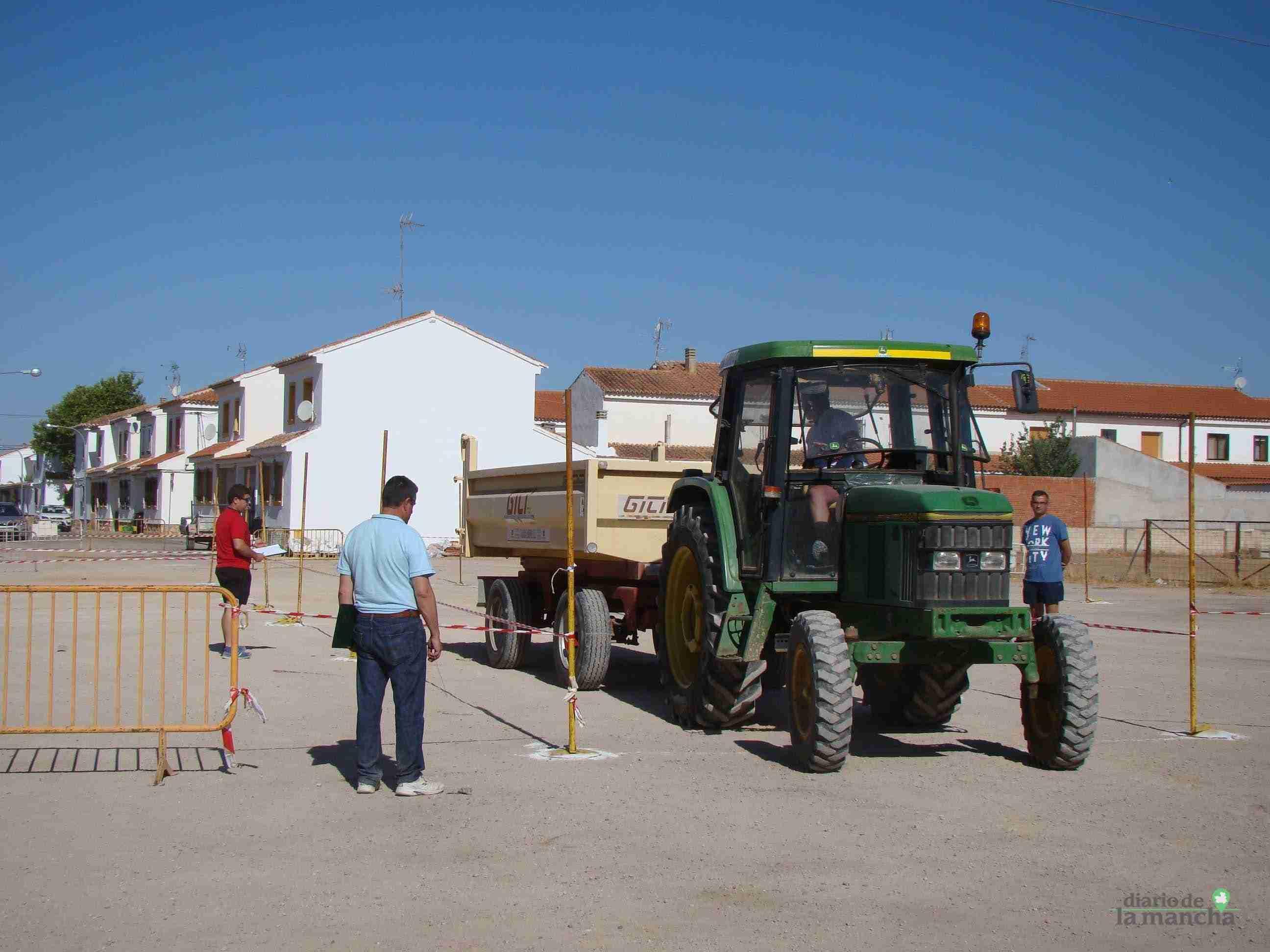 Quintanar celebra su XXVI Concurso Comarcal de Habilidad con Tractor con gran participación 1