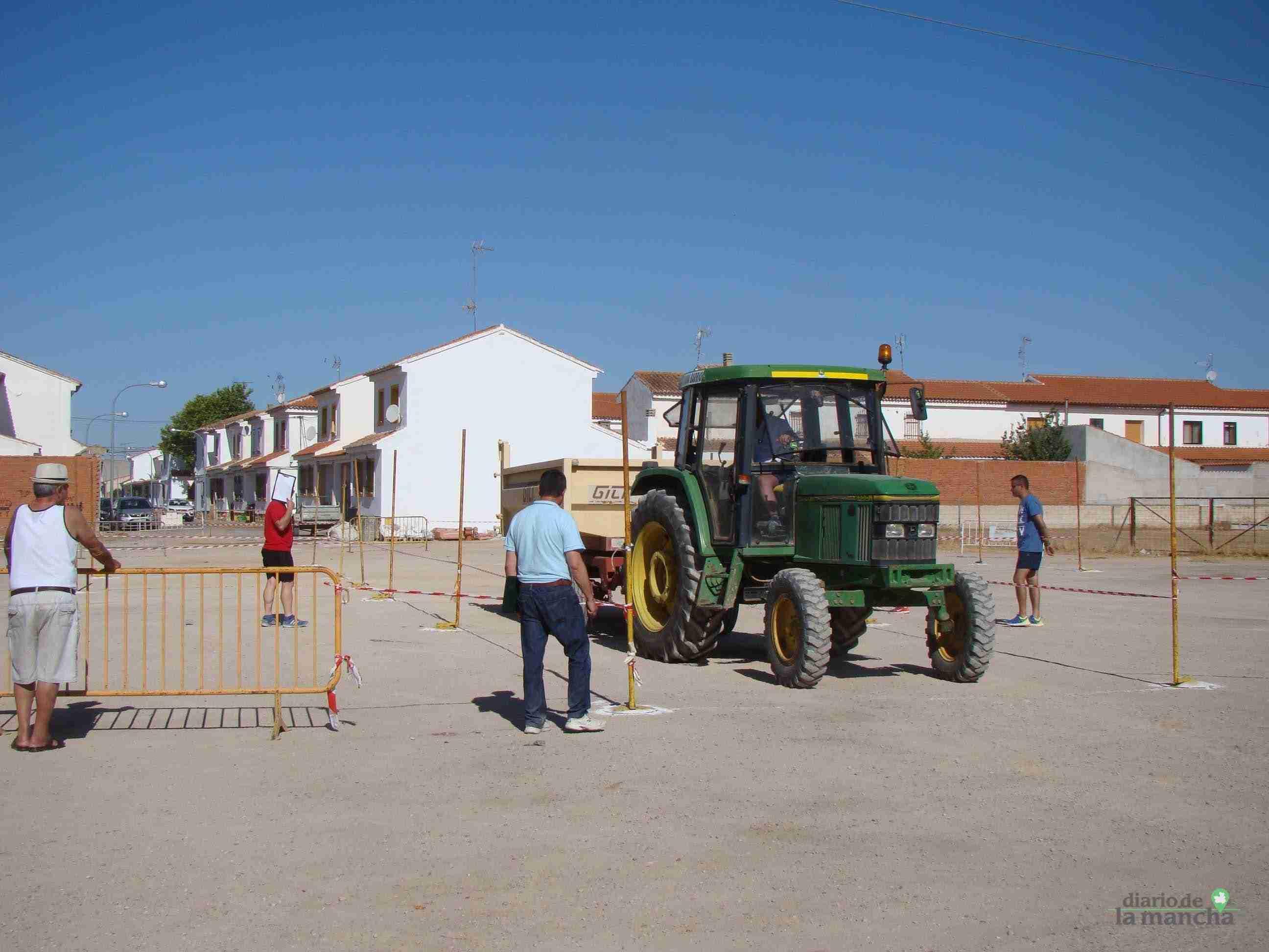 Quintanar celebra su XXVI Concurso Comarcal de Habilidad con Tractor con gran participación 2