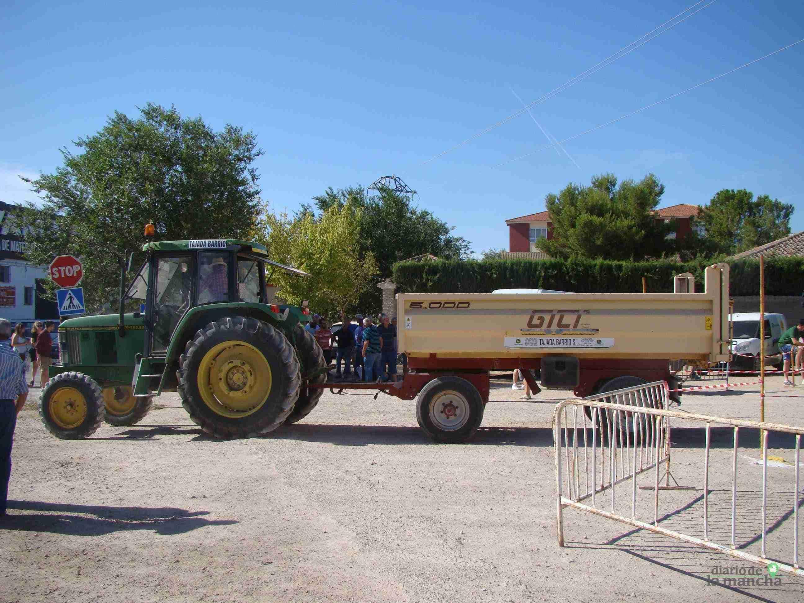 Quintanar celebra su XXVI Concurso Comarcal de Habilidad con Tractor con gran participación 5