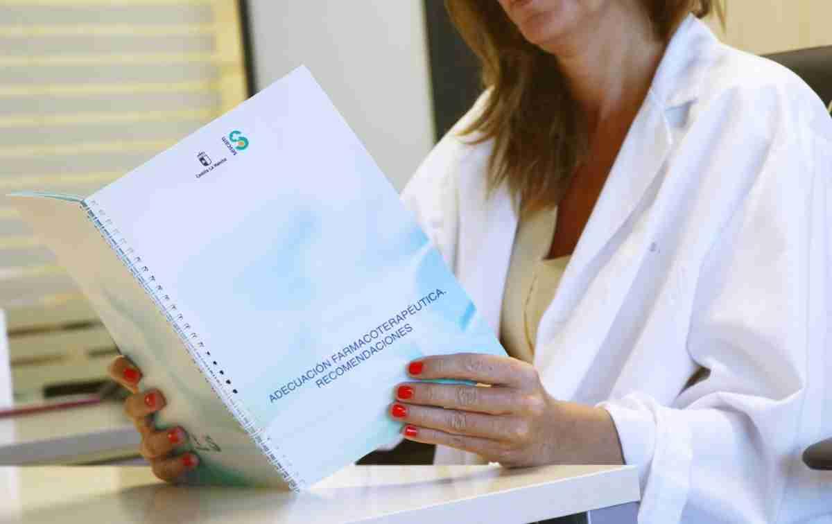 El SESCAM ha editado una guía de Adecuación Farmacoterapéutica dirigida a profesionales de la Atención Primaria 1