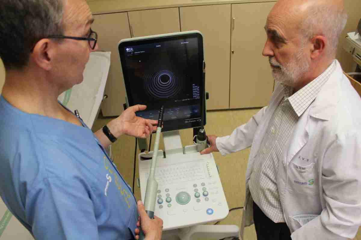Con un nuevo ecógrafo de última generación ha dotado el Gobierno regional al servicio de Cirugía General del Hospital de Toledo 1