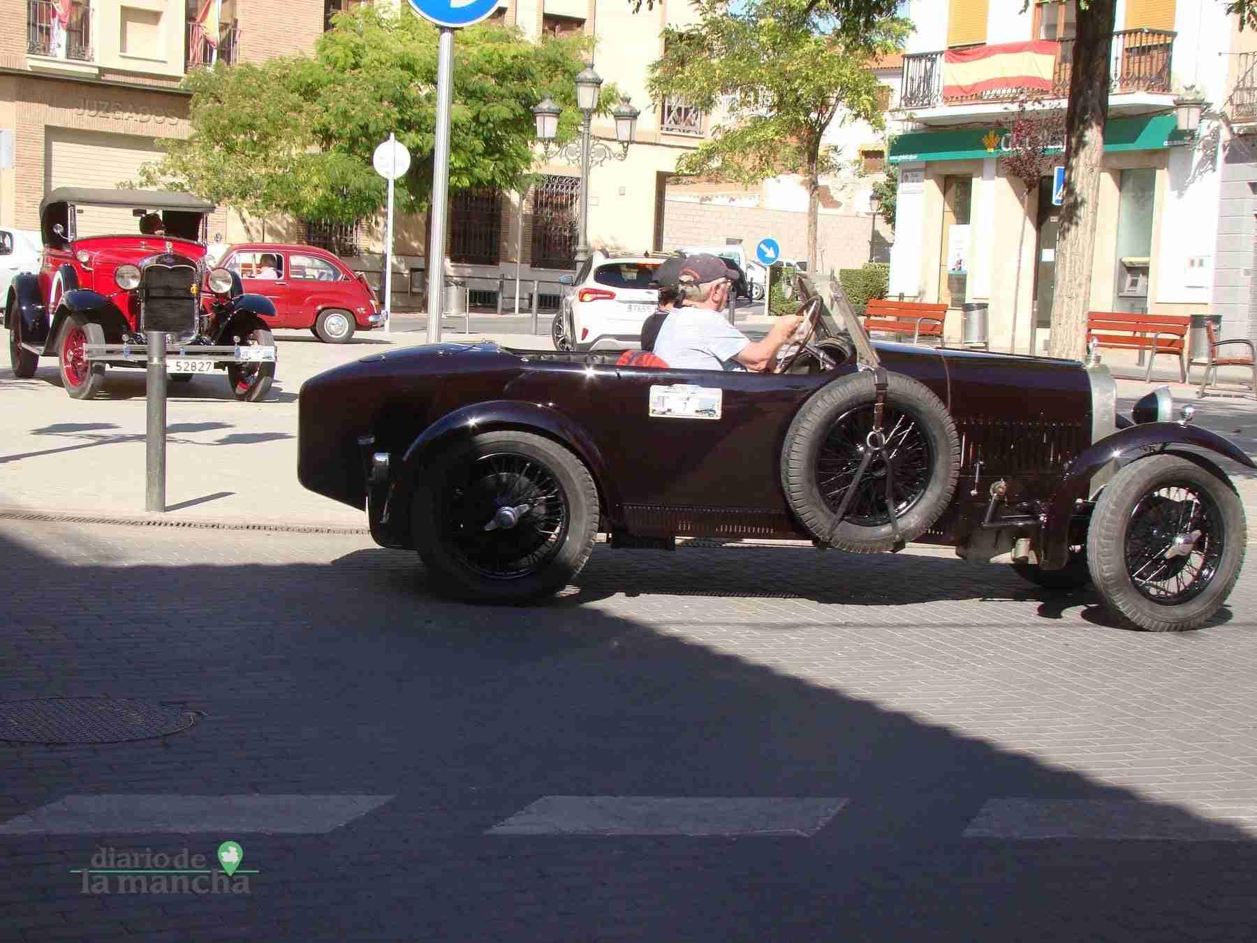 Clásicos a motor recorren Quintanar y su comarca durante este fin de semana 46