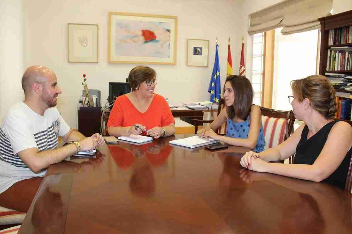 Las peticiones de la alcaldesa de Villarta de San Juan al Gobierno de Castilla-La Mancha  están centradas en Sanidad, Empleo, Educación y depuración del agua 1