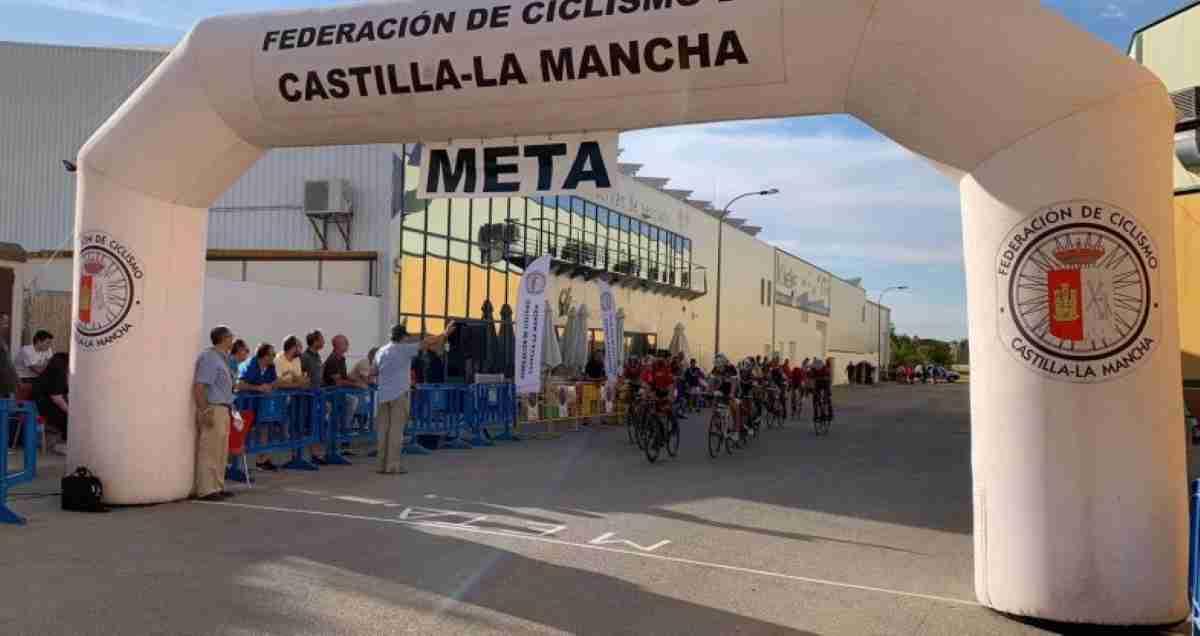 El XXIII Trofeo Santísimo Cristo de la Vega del Club Ciclista Socuéllamos se celebró el pasado domingo 11 de agosto 1