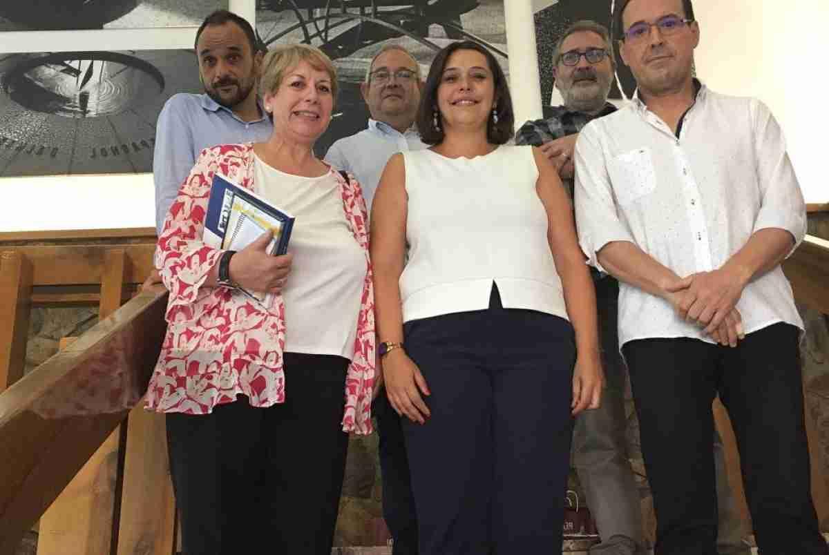 vice_consejera_de_educación_visita_almadén_CR