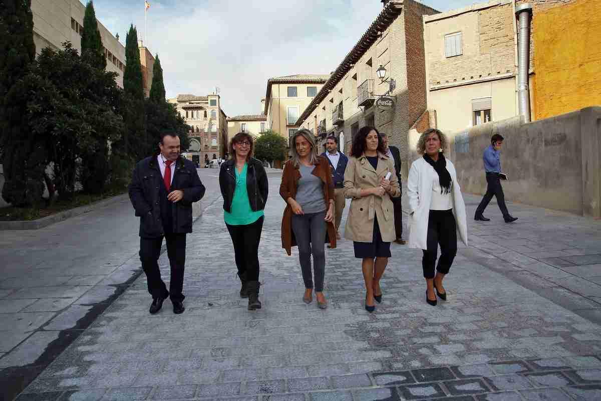 Milagros Tolón remarcó el esfuerzo del Ayuntamiento para mejorar el entorno del Alcázar 2