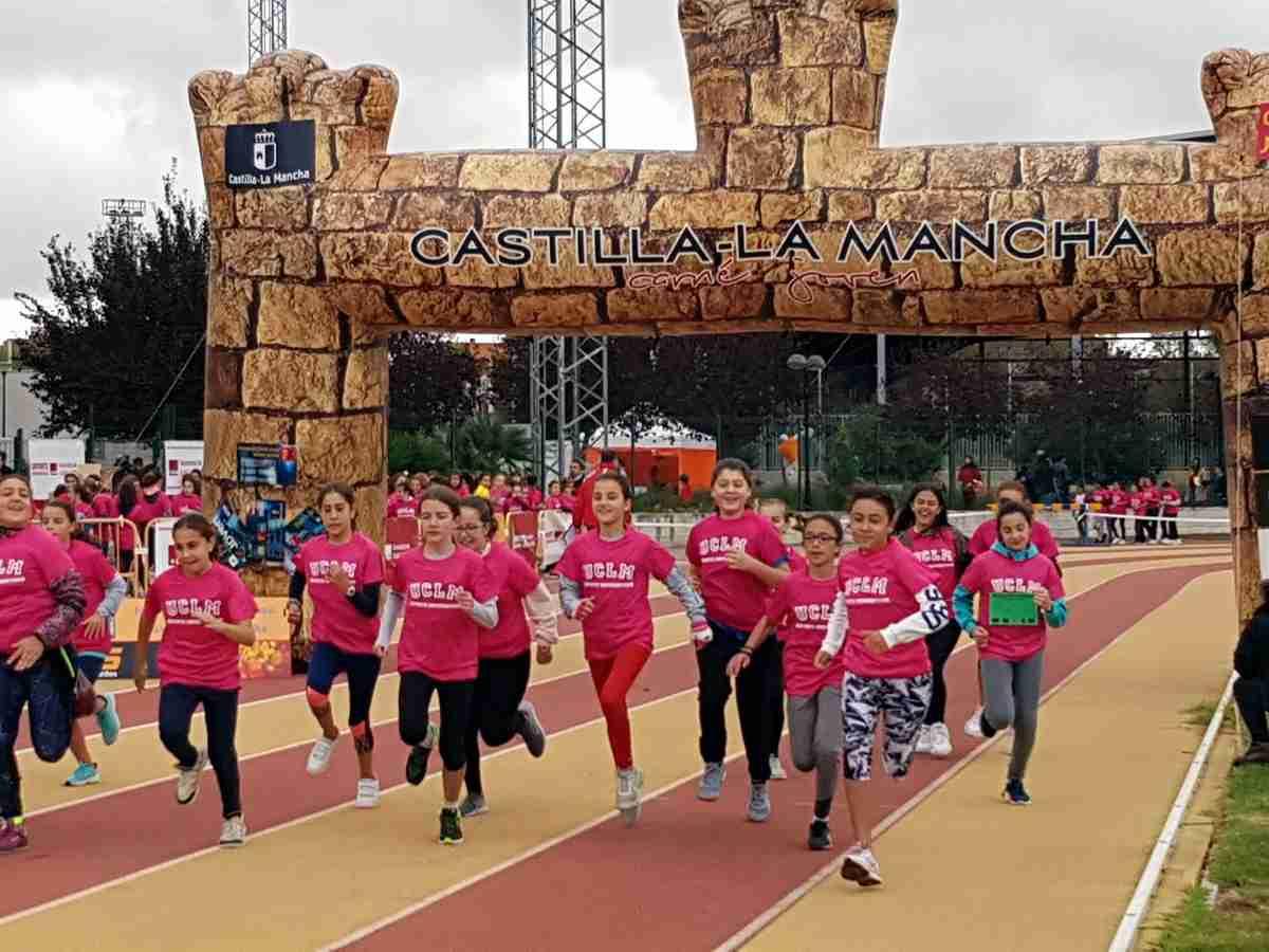 La organización agradeció a los voluntarios de la 24º Quijote Maratón por su implicación, con grandes alabazas entre los corredores 1