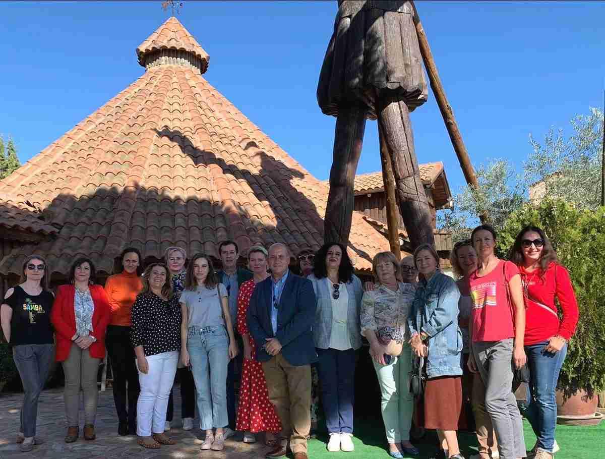 Un grupo de touroperadores rusos visitaron Villarrubia de los Ojos y almorzaron en El Mirador de la Mancha 3
