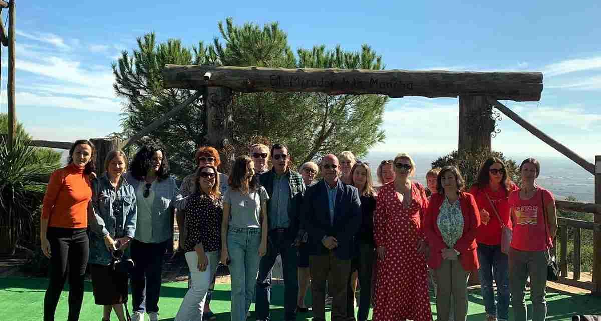 Un grupo de touroperadores rusos visitaron Villarrubia de los Ojos y almorzaron en El Mirador de la Mancha 1