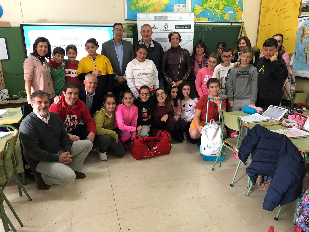 Premio de la JCCM al colegio de Carrión de Calatrava por su implicación deportiva en la Semana Europa del Deporte 1