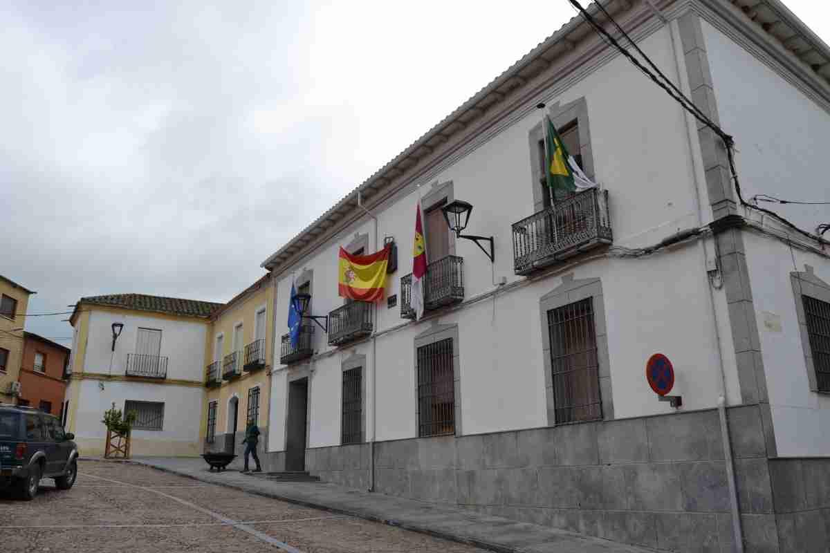 ayuntamiento de piedrabuena conservacion volcan arzollosa e instalacion de paneles fotovoltaticos