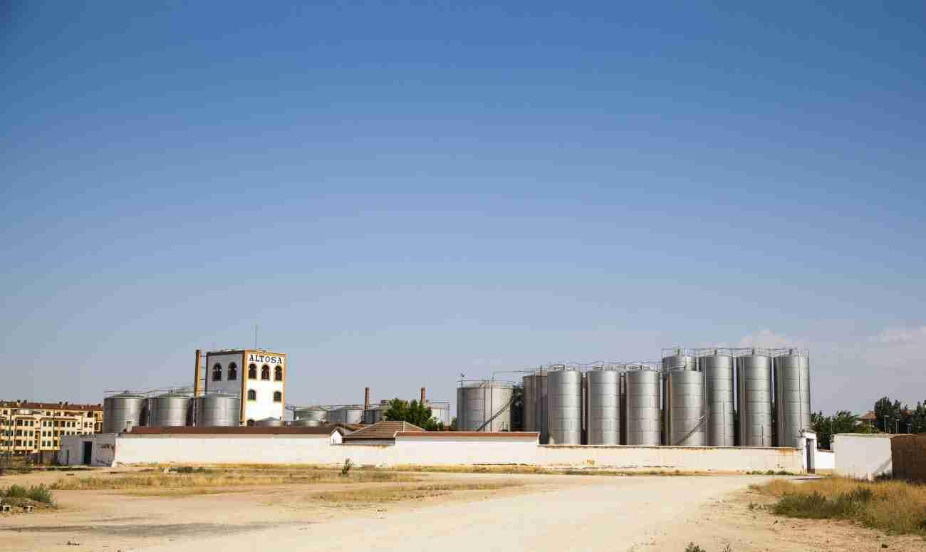 La destilería Altosa, entre los mayores compradores de uva de España 2