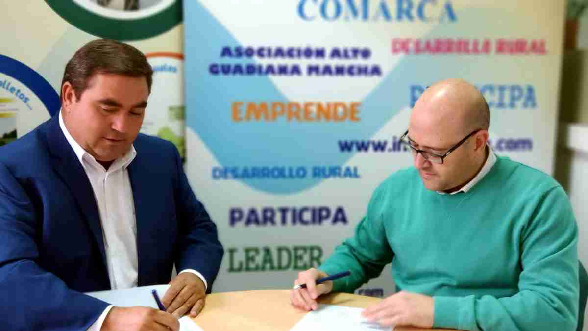 Alto Guadiana Mancha firmó un contrato con la empresa Prolicor SL de Daimiel para un proyecto con inversión cercana a 300.000 euros 1