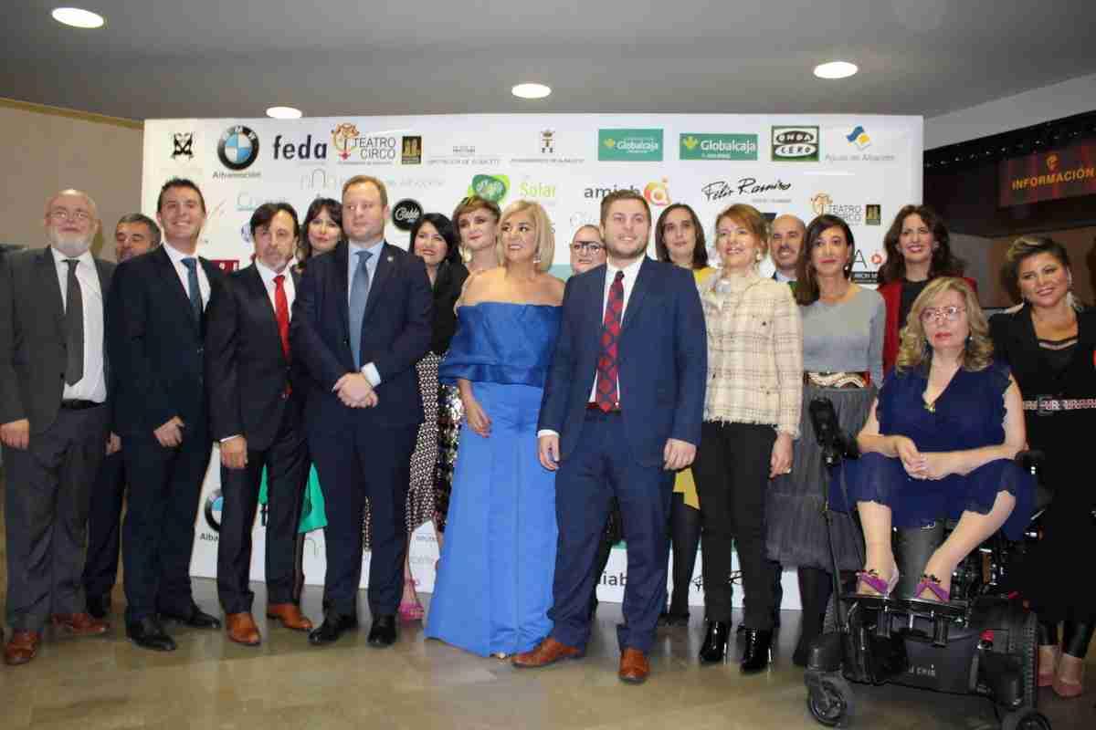 Apoyo del Gobierno regional a las mujeres emprendedoras y su presencia en la toma de decisiones 1