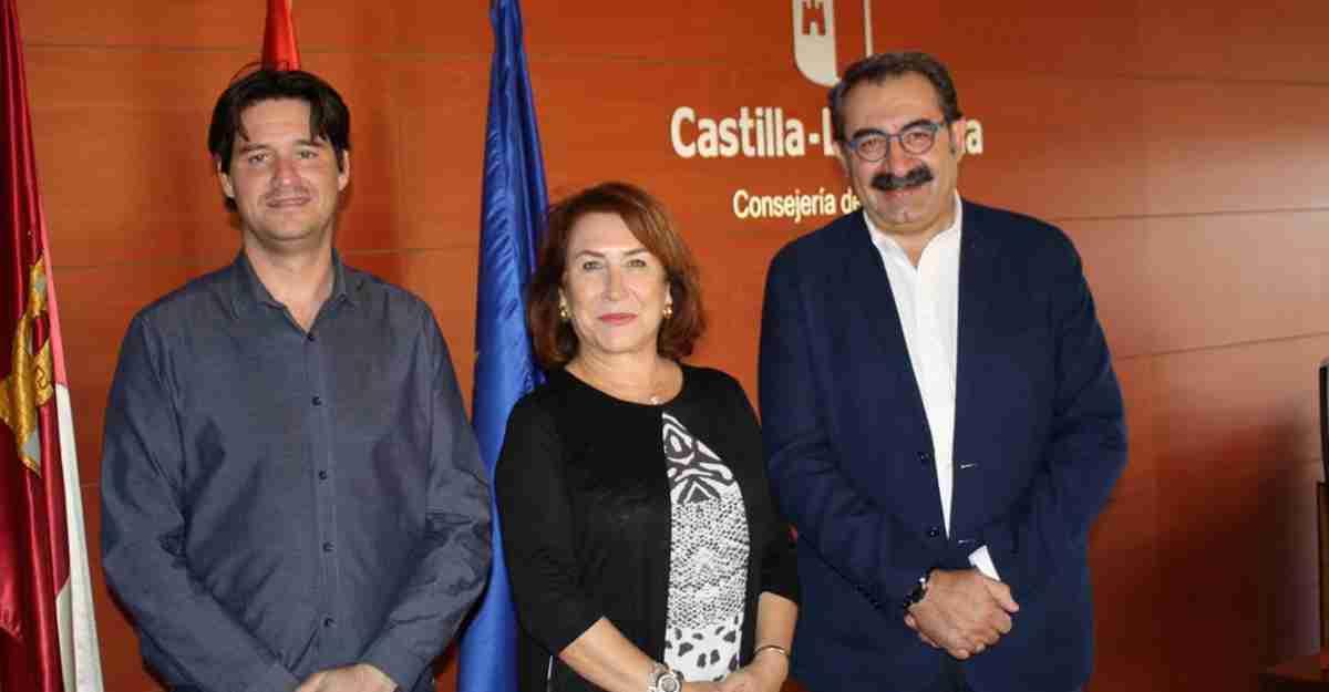 El Gobierno regional aborda las necesidades sanitarias en la localidad de Barcas en una reunión con la alcaldesa 1