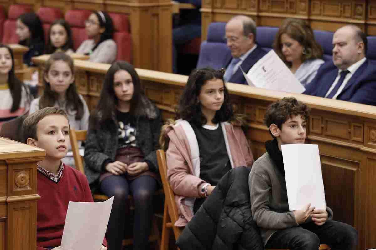 El 'Pleno de la Infancia' del parlamento autonómico celebrará los 30 años de la convención sobre los derechos infantiles 1