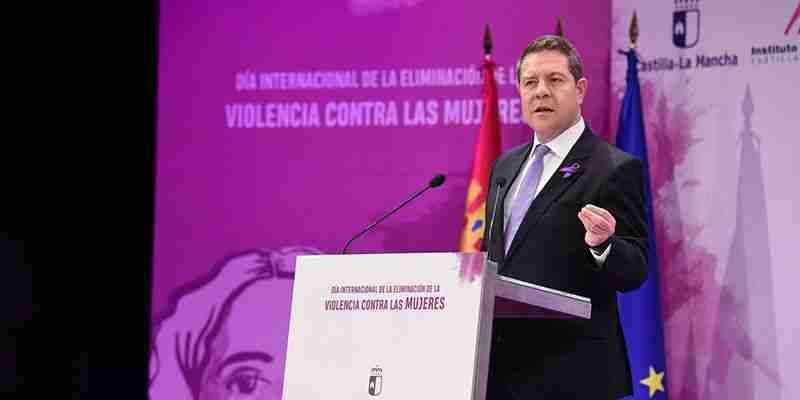 """García-Page reivindicó """"la vida frente a cualquier ideología política"""" y recordó que Castilla-La Mancha es pionera en la protección de los menores huérfanos a causa de la violencia machista 1"""
