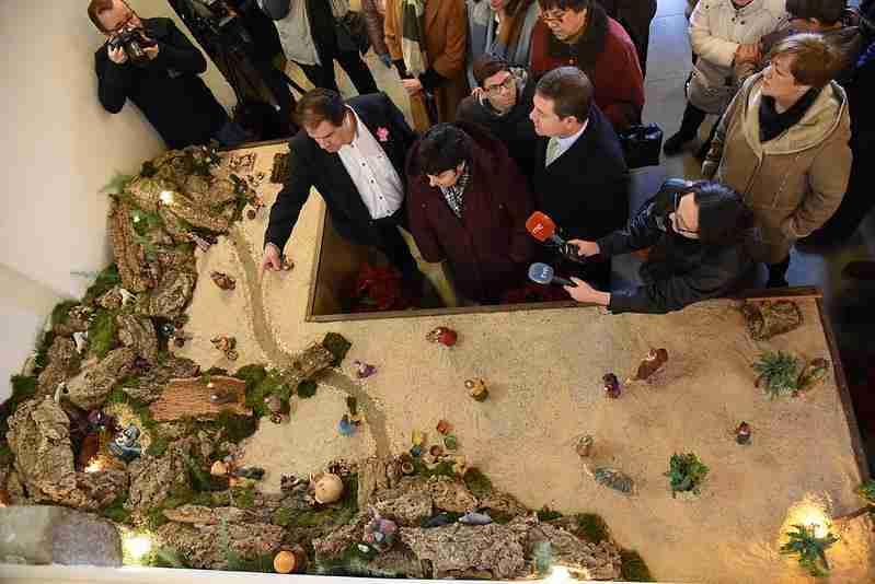 Ya se puede visitar el belén de APANAS en el Palacio de Fuensalida como elemento decorativo navideño 1