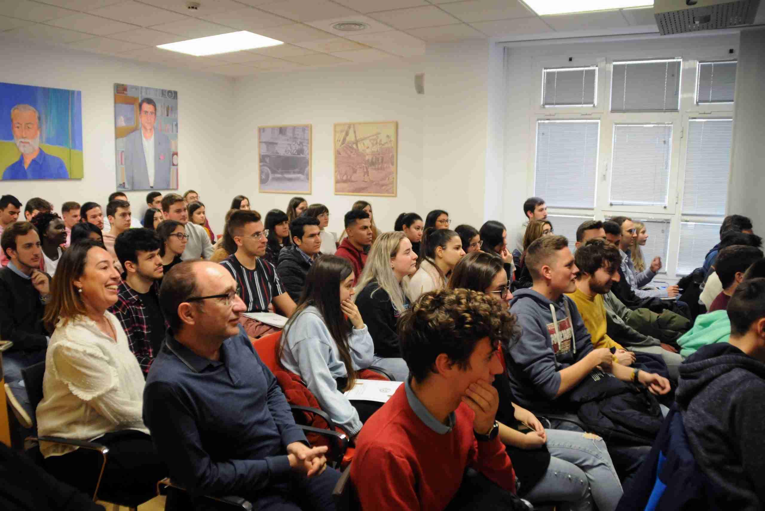 El Colegio de Ingenieros de Caminos acerca a los estudiantes de la UCLM su labor diaria y las ventajas de ser colegiado 8