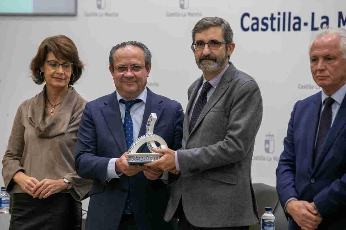 premios a la excelencia y a la calidad en los servicios publicos de clm
