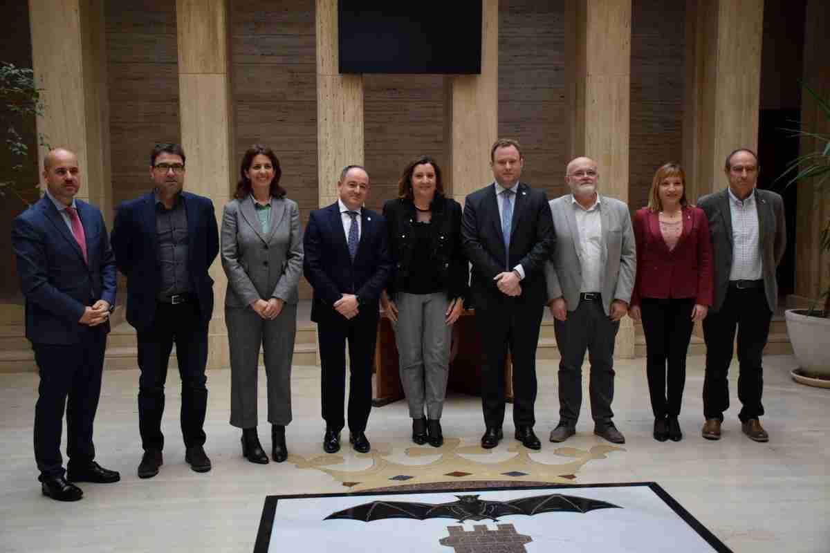 El Gobierno regional y el Ayuntamiento sumarán esfuerzos para promoción empresarial y generación de oportunidades de empleo en Albacete 2