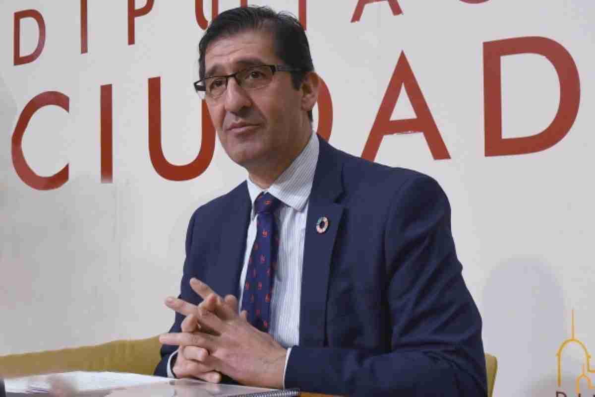 jose manuel caballero presidente de la diputación de ciudad real